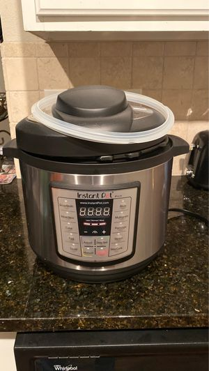 INSTANT POT for Sale in McKinney, TX