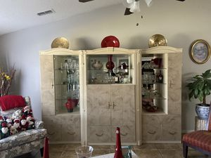 Wall Unit for Sale in Kissimmee, FL
