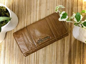 Volcom Saddle Colored Wallet for Sale in Bonney Lake, WA