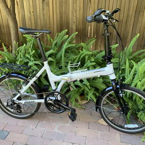 2 Folding Bikes, Giant & Greenzone for Sale in Chico, CA