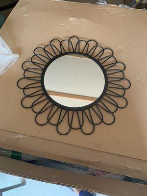 """20"""" wall flower mirror for Sale in Fayetteville, GA"""