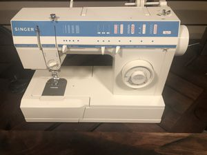 Singer Sewing Machine for Sale in Malverne, NY