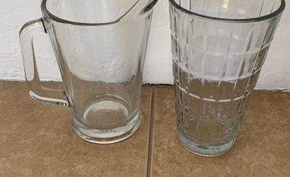 Glass Vases/pitcher for Sale in Tucson,  AZ