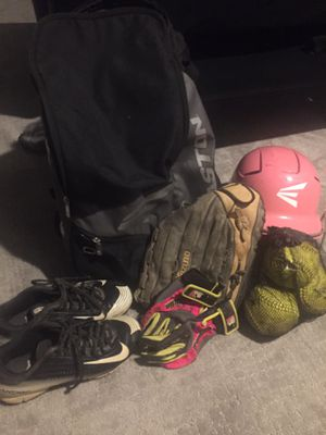 Softball set for Sale in Chicago, IL