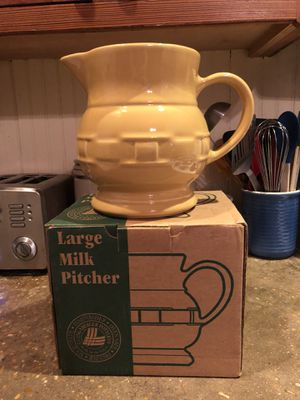 Longaberger 72 Oz Pitcher Woven Traditions in Butternut for Sale in Austin, TX
