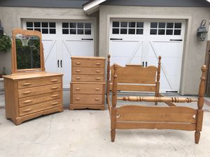 Antique full size bedroom furniture set for Sale in Los Angeles, CA
