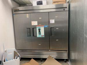 True T72 Freezer with 3 doors under warranty for Sale in Kissimmee, FL