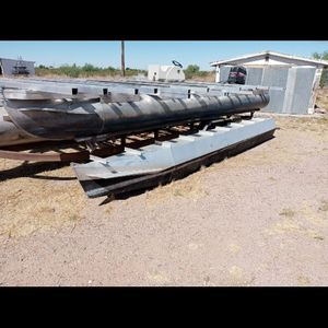 2 Pontoons 20 Footers for Sale in Glendale, AZ