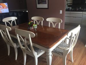 Table and chairs for Sale in Taylor, PA