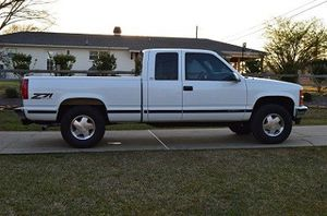 1999 Chevy Silverado tilt wheel for Sale in Raleigh, NC