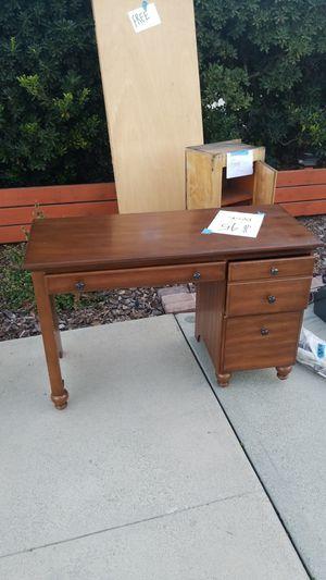 Desk for Sale in Rancho Cucamonga, CA