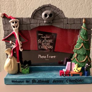 DISNEY Tim Burton's The Nightmare Before Christmas 3D picture frame with Jack Skellington as santa for Sale in Corona, CA