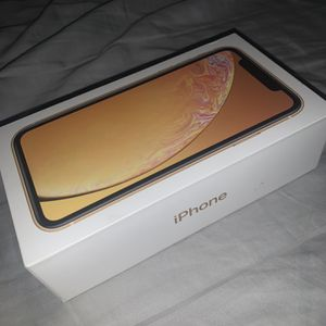 iPhone XR Yellow for Sale in Atlanta, GA