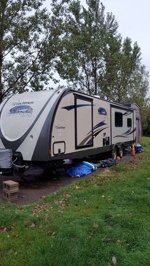 Coachmen liberty edition 35 foot camper for Sale in Ramsey, MN