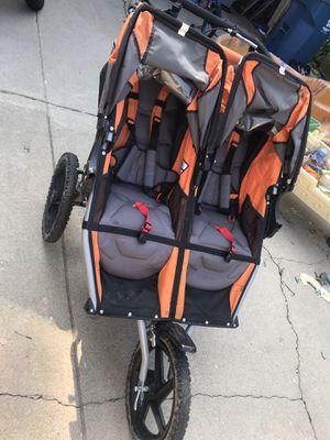 Bob Double Jogging Stroller for Sale in Burbank, IL