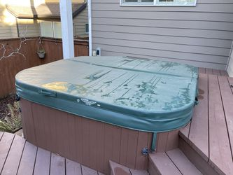 Hot Tub for Sale in Tigard,  OR