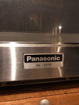 Panasonic microwave oven NE1257R for Sale in Atlanta, GA