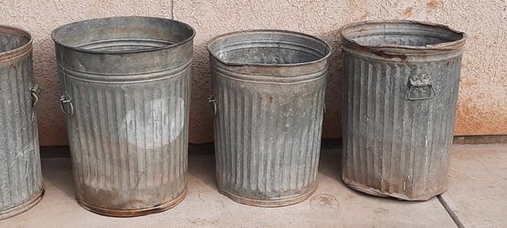 Vintage Galvanized Trash Cans for Sale in Fresno,  CA