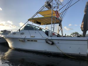 Boat for parts for Sale in Hialeah, FL