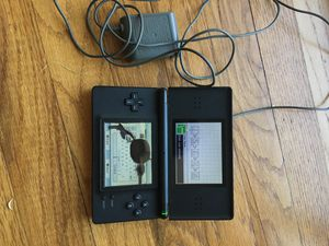 Nintendo ds lite (cracked touch screen) for Sale in Lodi, CA