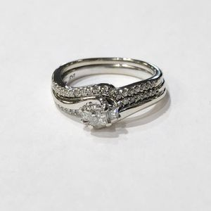 10K White Gold Woman's Diamond Wedding Set Size: 7; with approx. 0.57cttw Diamonds **Great Buy** 10012290-1 for Sale in Tampa, FL