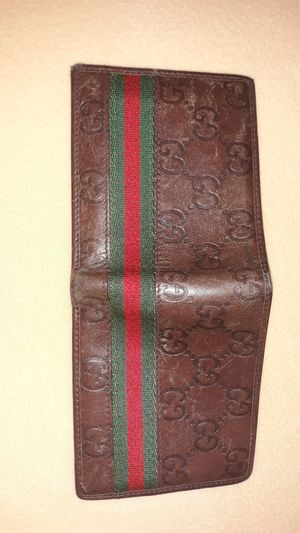 Gucci Wallet Mens **Authentic** for Sale in Everett, WA