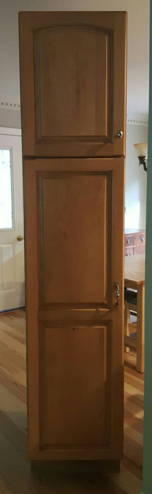 Kraftmaid Kitchen Pantry Cabinet for Sale in Woodbridge, VA