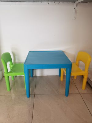 Kids Table and Chairs for Sale in Hialeah, FL