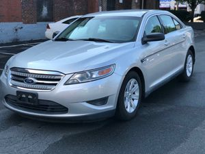 2011 FORD TAURUS SE $8500 for Sale in Everett, MA