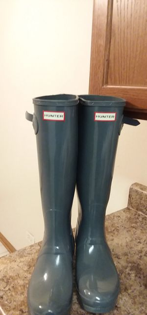 Brand Name: Hunter Rain Boots. NOT SHINY for Sale in Chicago Ridge, IL