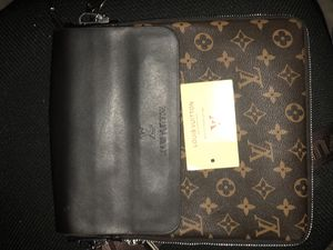 Lous Vuitton messenger bag brown for Sale in Baltimore, MD