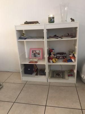 Small shelf for Sale in Miami, FL
