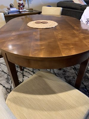 Dining table with 4 chairs. for Sale in El Cajon, CA