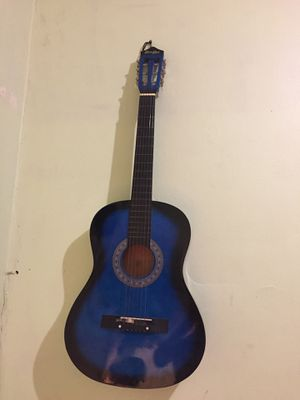 Guitar 38 inchs used for Sale in Kearny, NJ