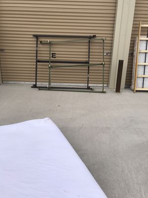 QUEEN/ KING BED METAL FRAME for Sale in El Paso, TX