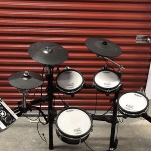 Roland TD9 for Sale in Shelton, CT
