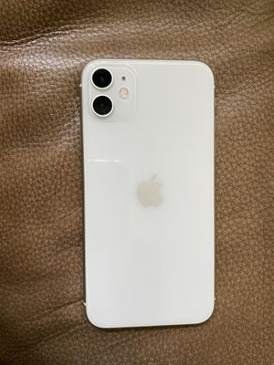IPHONE 11 WHITE 64G AT&T,CRICKET,H2O for Sale in Pinellas Park, FL