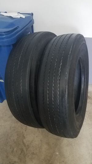 275/80/r22.5 Michelin Use Tires Semi-Truck for Sale in Saint Charles, MO