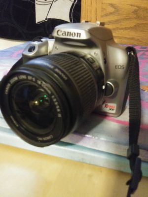 Canon eos rebel xs camera for Sale in Oregon City, OR