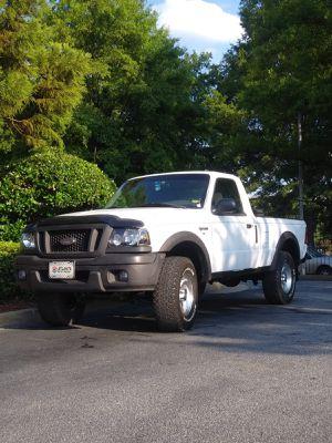 2005 Ford ranger regular cab 2wd for Sale in Hapeville, GA