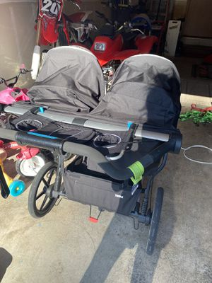 Thule Urban Glide 2 jogging stroller for Sale in Puyallup, WA