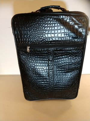 Alligator leather print carry-on for Sale in Fort Washington, MD