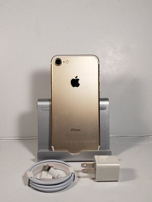 Factory Unlocked iphone 7 32gb for Sale in Lawrenceville, GA