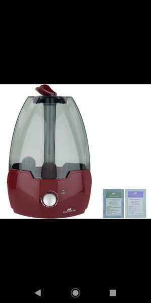 Gallon Ultrasonic Humidifier with 2 Aroma Pads for Sale in Pompano Beach, FL