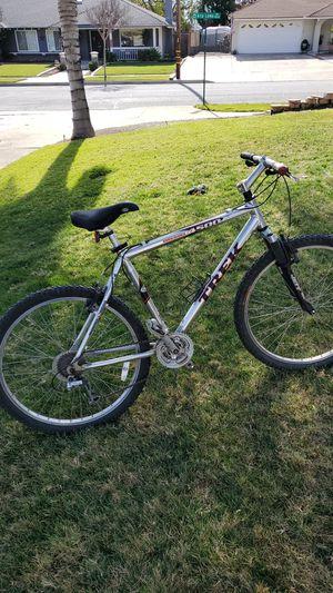 TREK 4500 Mountain bike for Sale in Alta Loma, CA
