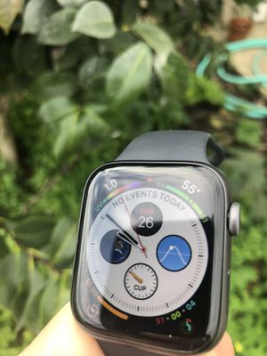 Apple Watch series 4 44 mm for Sale in Tulare, CA