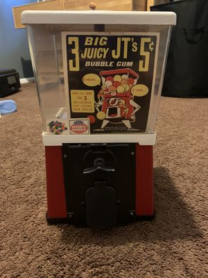 Vintage gumball machine with lock but NO KEY for Sale in San Bernardino, CA