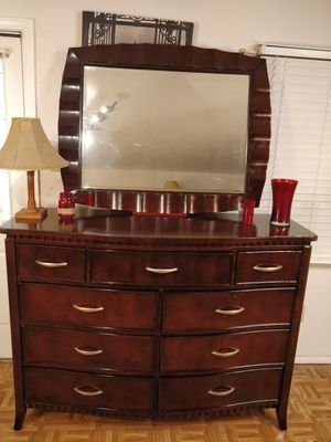 "Like new modern solid wood big AMERICAN SIGNATURE dresser/ TV stand with mirror and 9 drawers in great condition, a"" for Sale in Annandale, VA"
