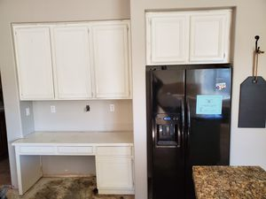 Kitchen cabinets for Sale in Moreno Valley, CA