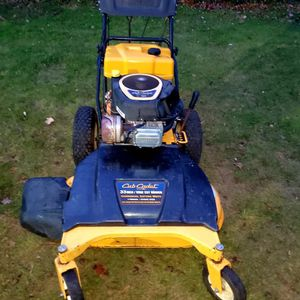 """Club Cadet 33"""" Wide Cut Walk Behind Mower for Sale in Temple Hills, MD"""